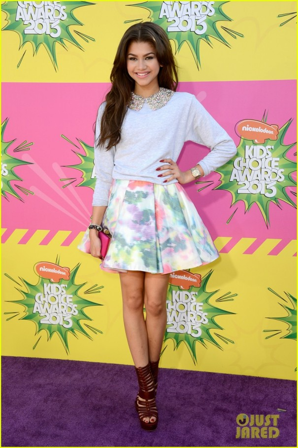 miranda-cosgrove-ariana-grande-kids-choice-awards-2013-04
