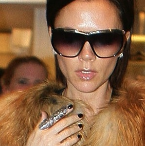 victoria-beckham-full-finger-ring