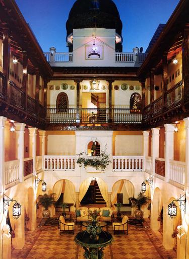 casa-casuarina-courtyard