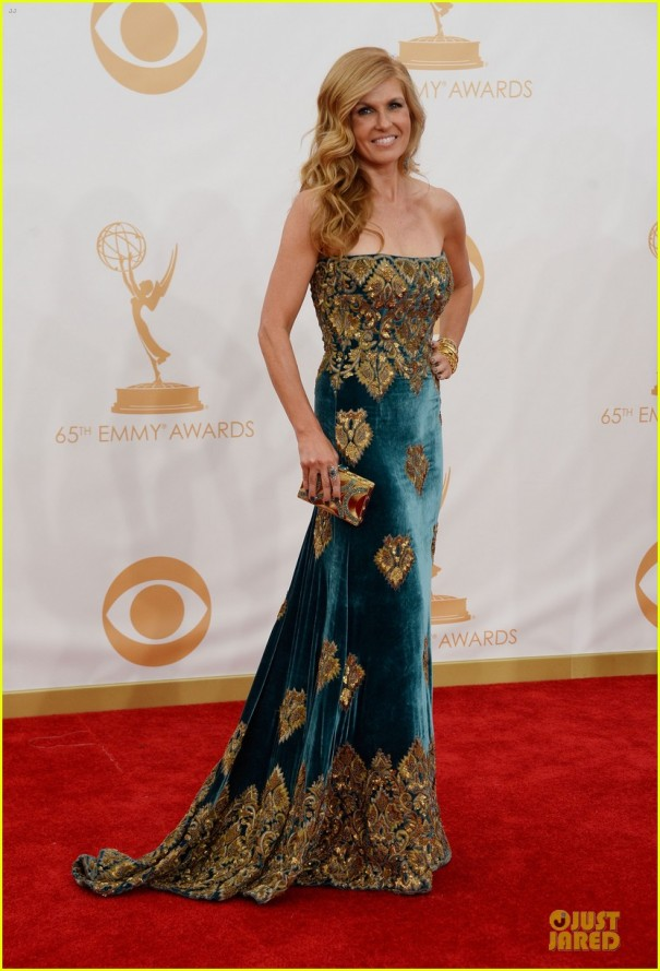 connie-britton-emmys-2013-red-carpet-01